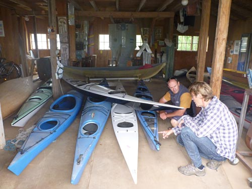 Johan and Mark talk kayaks.