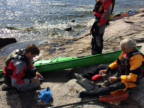 Topics such as repairing kayaks were also covered.