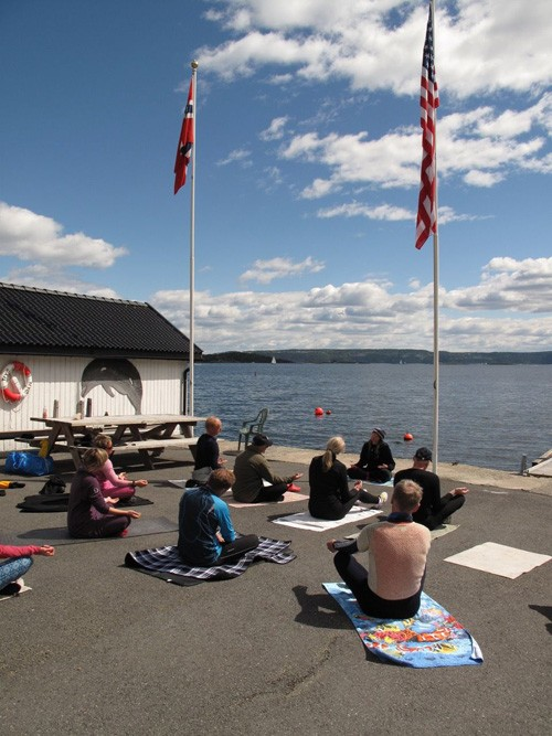 Asker's kayak club gave us a warm welcome (notice the flags).
