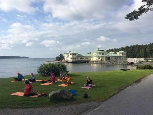 Stunning scenery, and Yoga for Paddlers. Is there a better way to start a day?